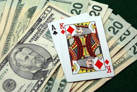 Что такое флоп в покере, доллары с картами.