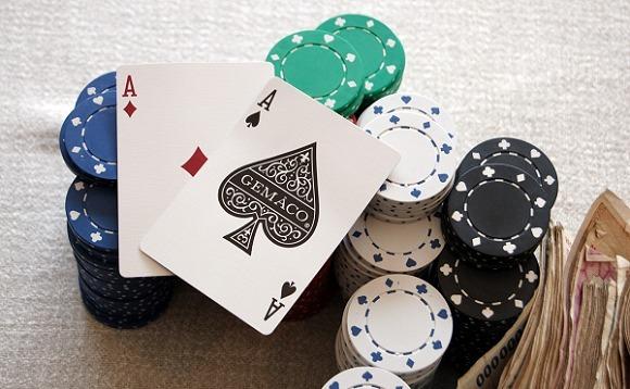 Слоуплей в покере карты фишки деньги
