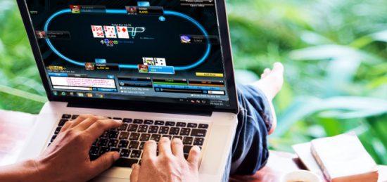 скачать покер онлайн на компьютер бесплатно